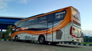 Bus Baru Sudiro Tungga Jaya